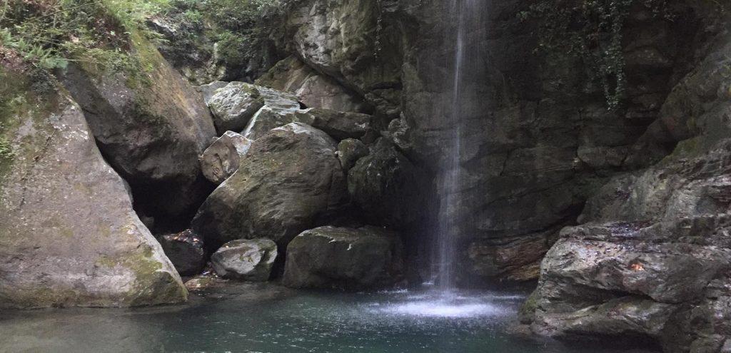 Mouresi Kissos Waterfall