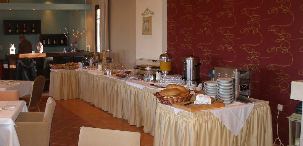 Pelion Resort restaurant breakfast area